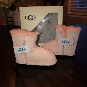 NWT - pink baby Ugg boot. Size SM